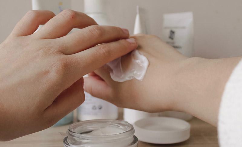 Питание кожи рук